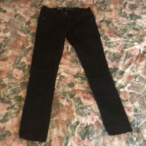 Low rise, black skinny jeans